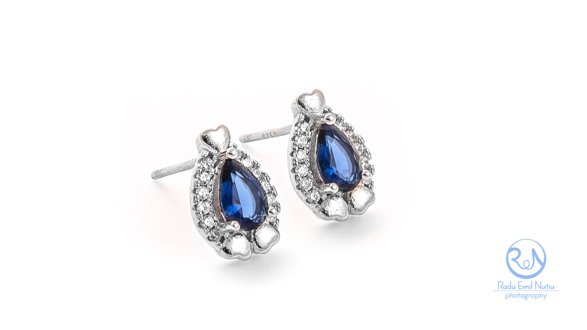 jewerly set with blue stones